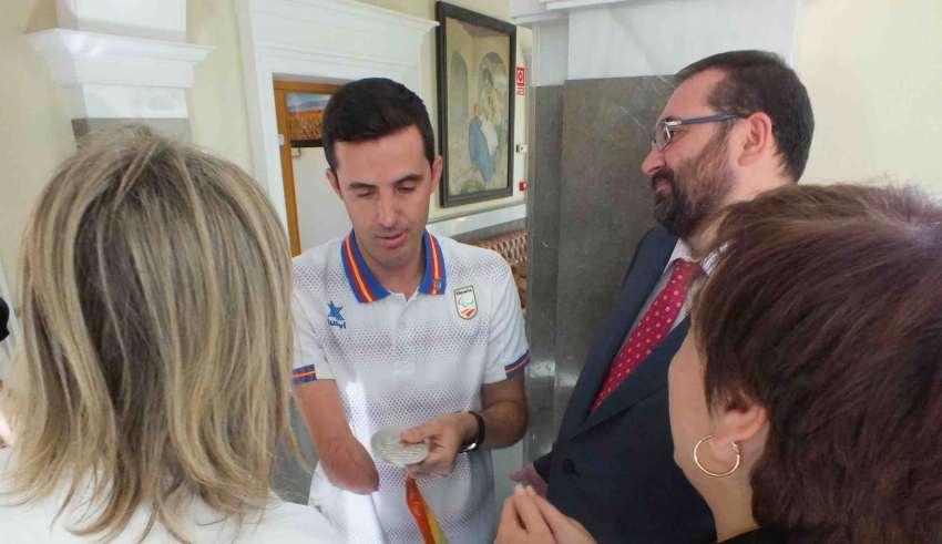 Jose manuel con medalla